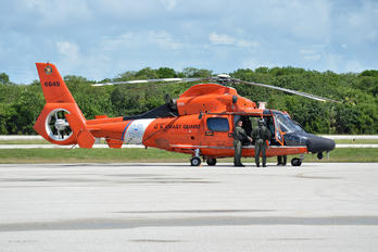 6545 - USA - Coast Guard Eurocopter AS365 Dauphin 2