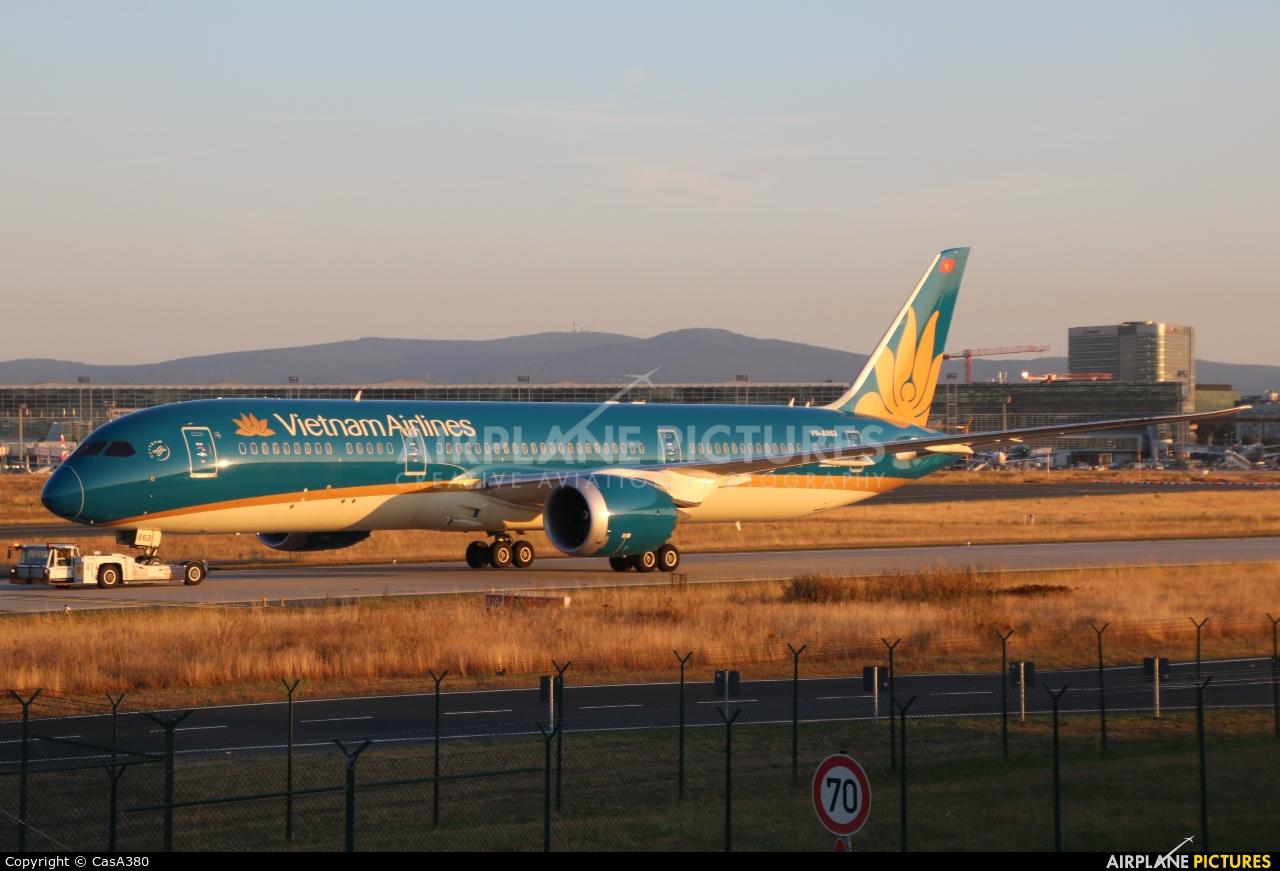 Vietnam Airlines VN-A863 aircraft at Frankfurt