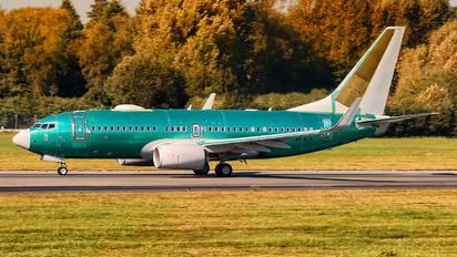 A6-RJV - Royal Jet Boeing 737-700 BBJ
