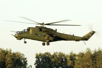 272 - Poland - Army Mil Mi-24D