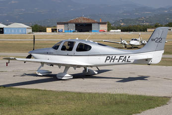 PH-FAL - Private Cirrus SR22