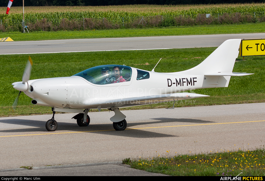Private D-MFMF aircraft at Augsburg