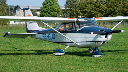 SE-GUD - Private Cessna 172 Skyhawk (all models except RG)