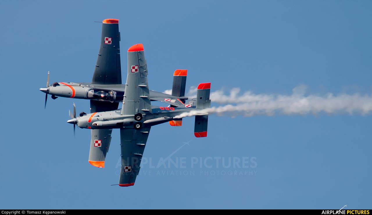 """Poland - Air Force """"Orlik Acrobatic Group"""" 050 aircraft at Mielec"""