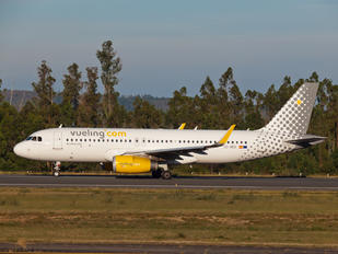 EC-MER - Vueling Airlines Airbus A320
