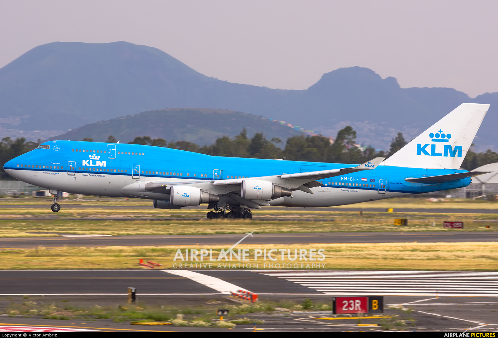 Ph bff klm boeing 747 400 at mexico city licenciado for Oficinas klm mexico