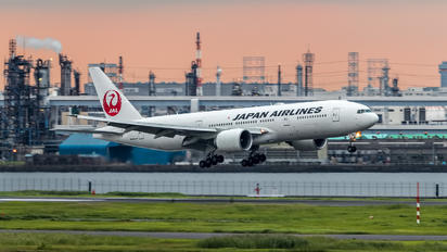 JA711J - JAL - Japan Airlines Boeing 777-200ER