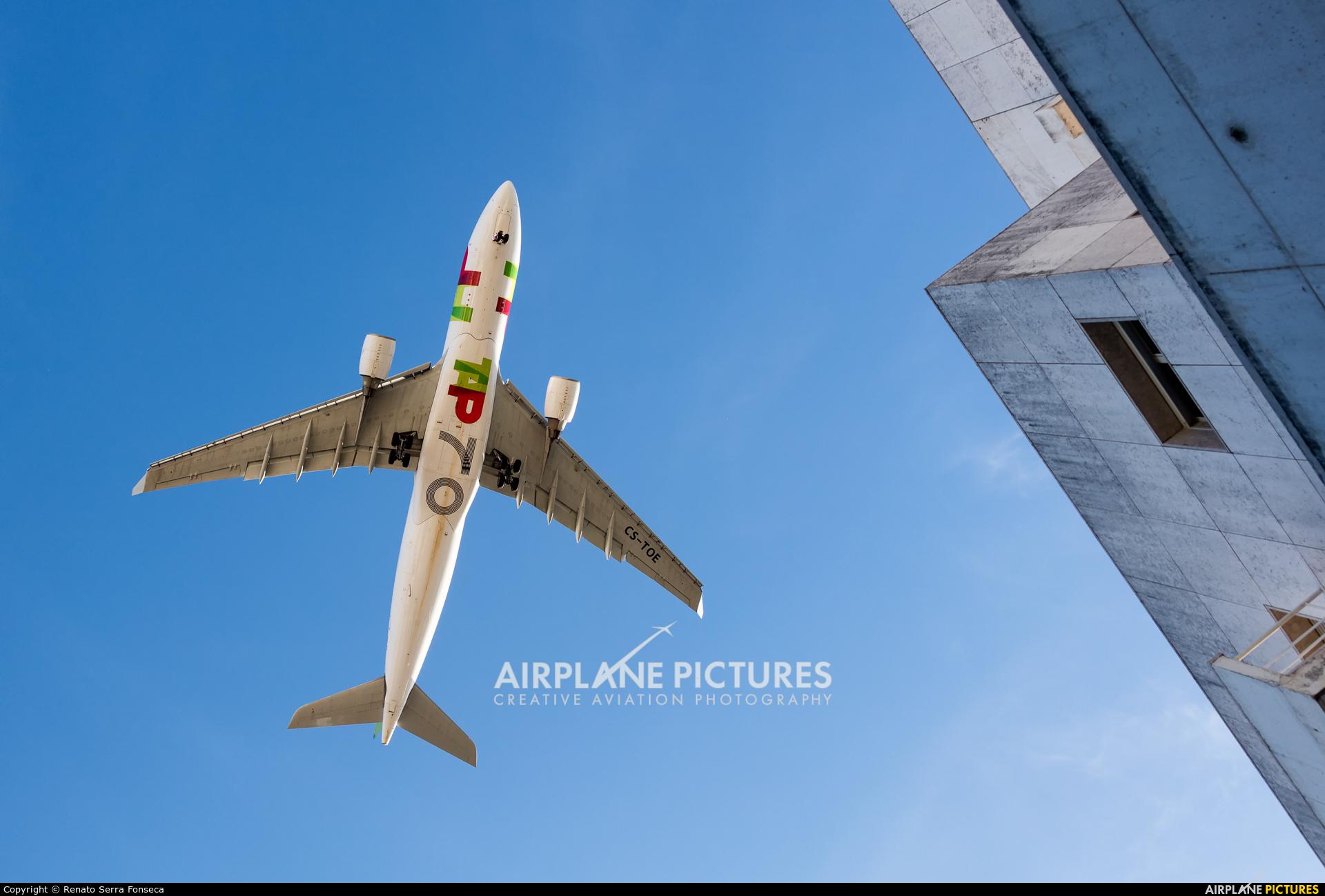 TAP Portugal CS-TOE aircraft at Lisbon