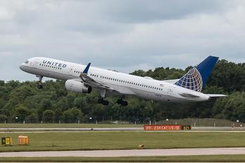 N33103 - United Airlines Boeing 757-200