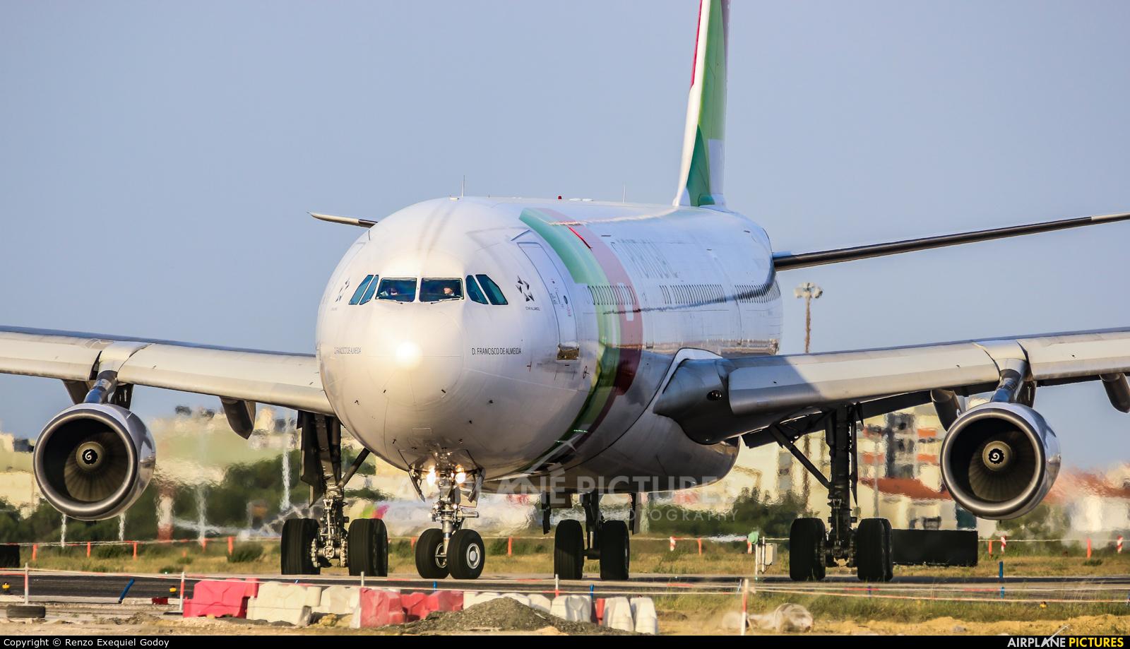 TAP Portugal CS-TOD aircraft at Lisbon