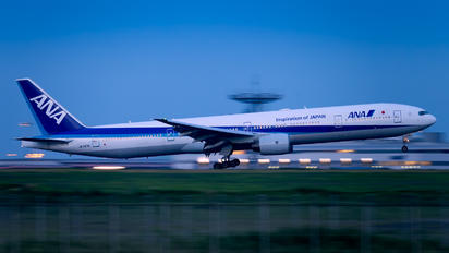 JA757A - ANA - All Nippon Airways Boeing 777-300