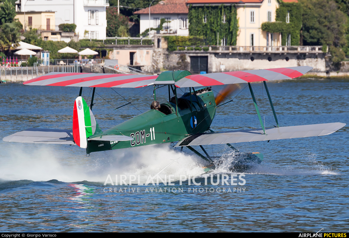Private I-ABOU aircraft at Como Idroscalo