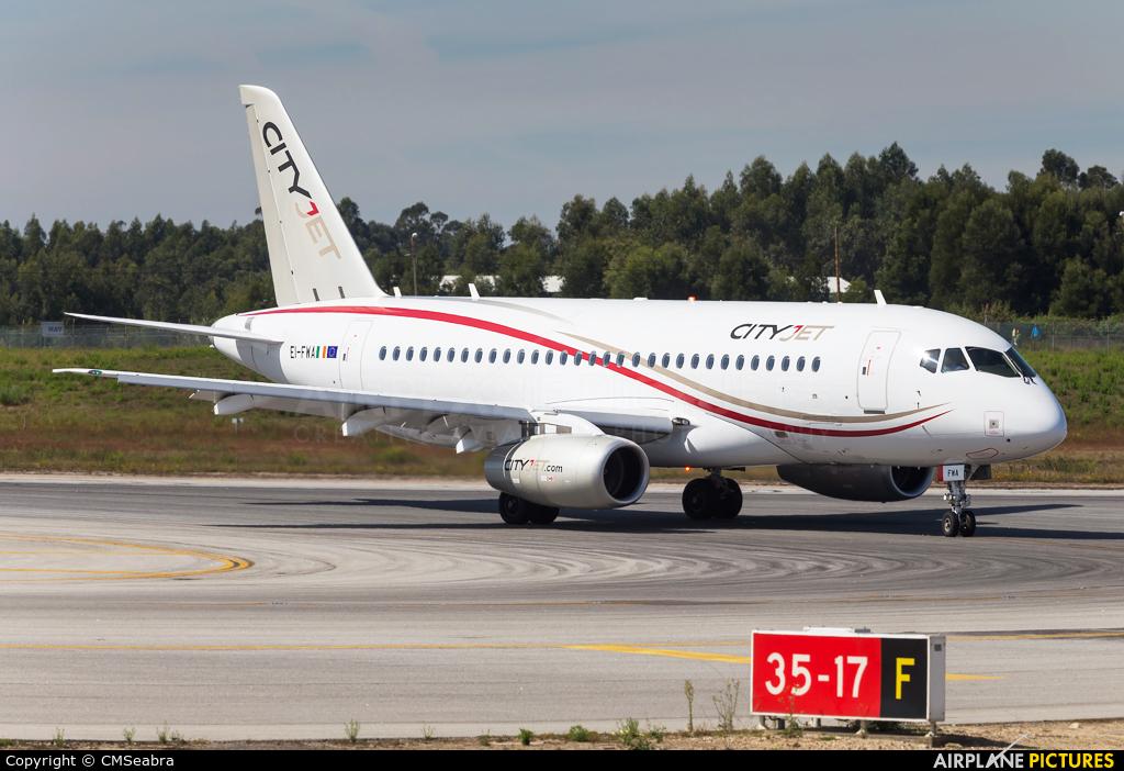 CityJet EI-FWA aircraft at Porto