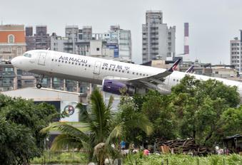 B-MCD - Air Macau Airbus A321