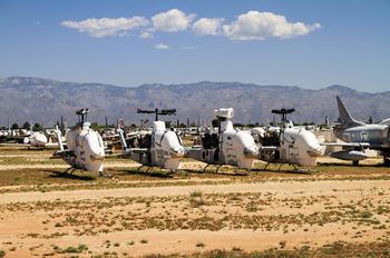 - - USA - Marine Corps Bell AH-1J Cobra