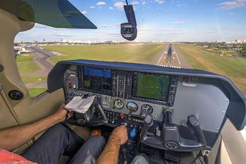 UR-GIB - Private Cessna 182T Skylane