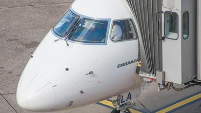 - - Private Embraer ERJ-175 (170-200)