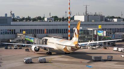 A6-BLG - Etihad Airways Boeing 787-9 Dreamliner