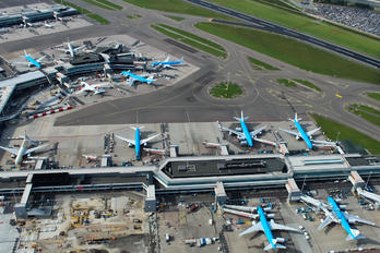 - - - Aviation Glamour - Airport Overview - Apron