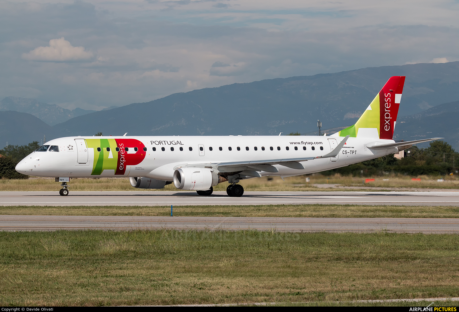 TAP Express CS-TPT aircraft at Verona - Villafranca