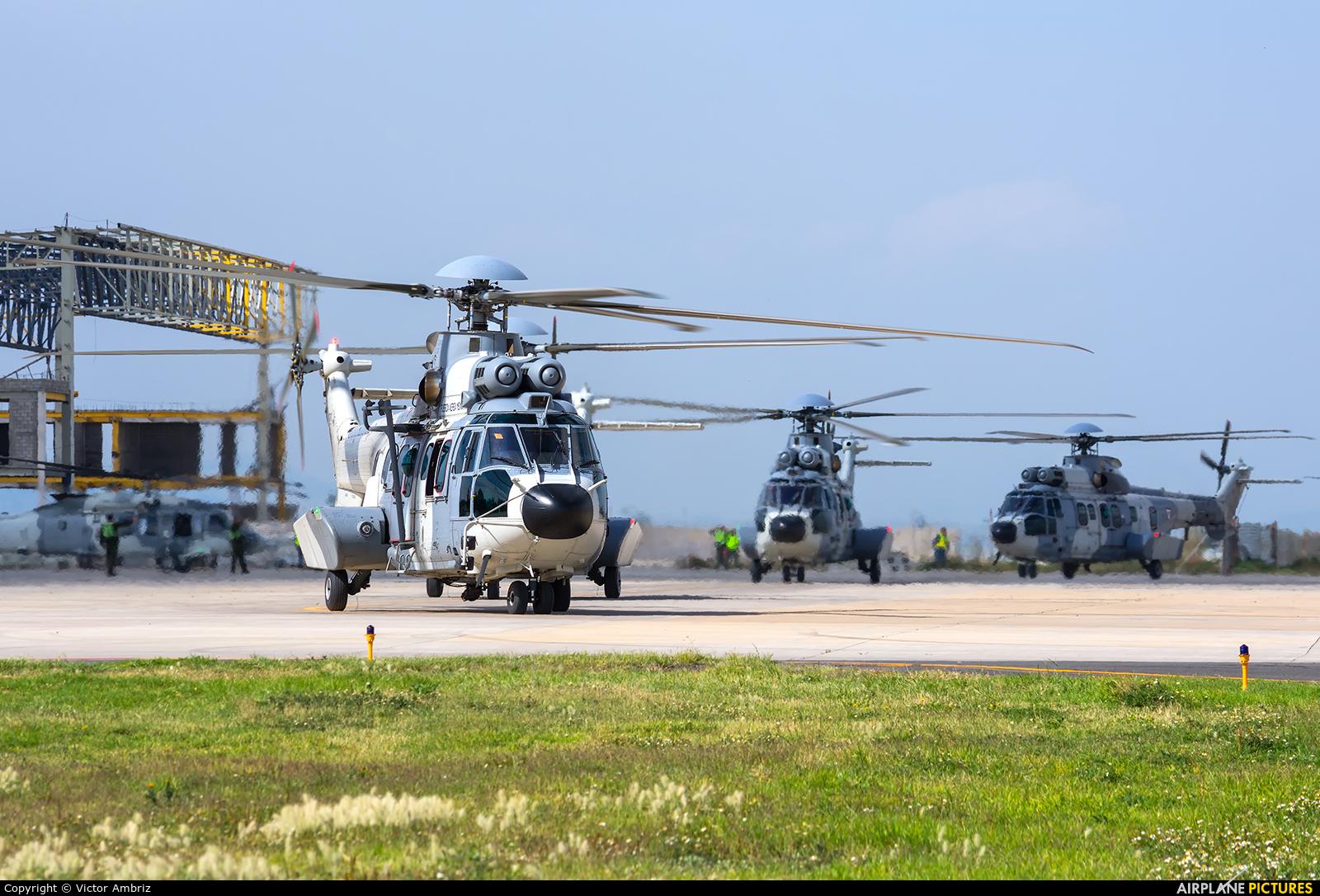 Mexico - Air Force 1011 aircraft at Santa Lucia AB
