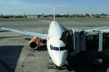 PR-GON - GOL Transportes Aéreos  Boeing 737-700