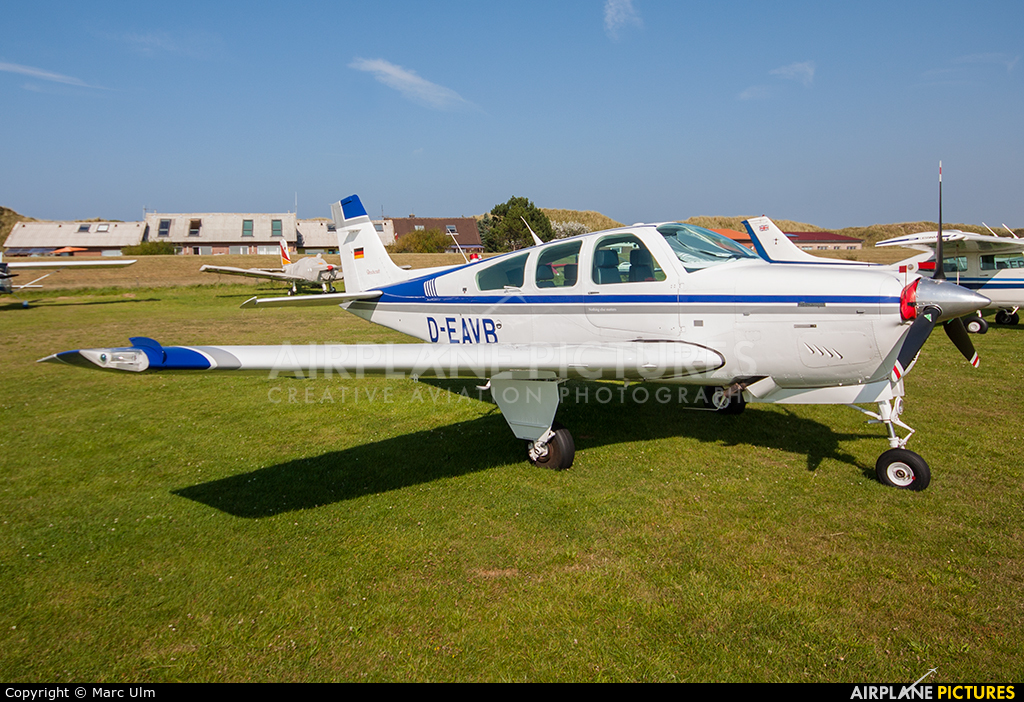 Private D-EAVB aircraft at Juist