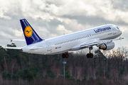 D-AIQA - Lufthansa Airbus A320 aircraft