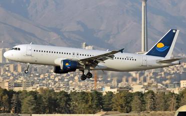 UR-CJP - Dart Airbus A320