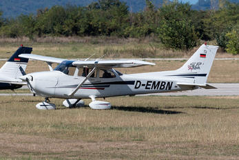D-EMBN - Private Cessna 172 Skyhawk (all models except RG)