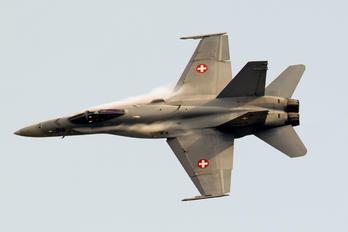 J-5010 - Switzerland - Air Force McDonnell Douglas F/A-18C Hornet