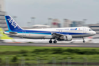 JA8654 - ANA - All Nippon Airways Airbus A320