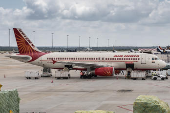 VT-ESB - Air India Airbus A320