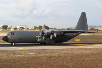 61-PL - France - Air Force Lockheed C-130H Hercules