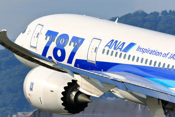 JA812A - ANA - All Nippon Airways Boeing 787-8 Dreamliner