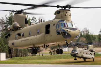 M8434 - USA - Army Boeing CH-47F Chinook