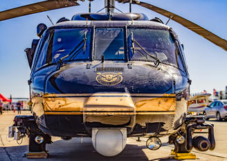 - - United Airlines Sikorsky UH-60L Black Hawk