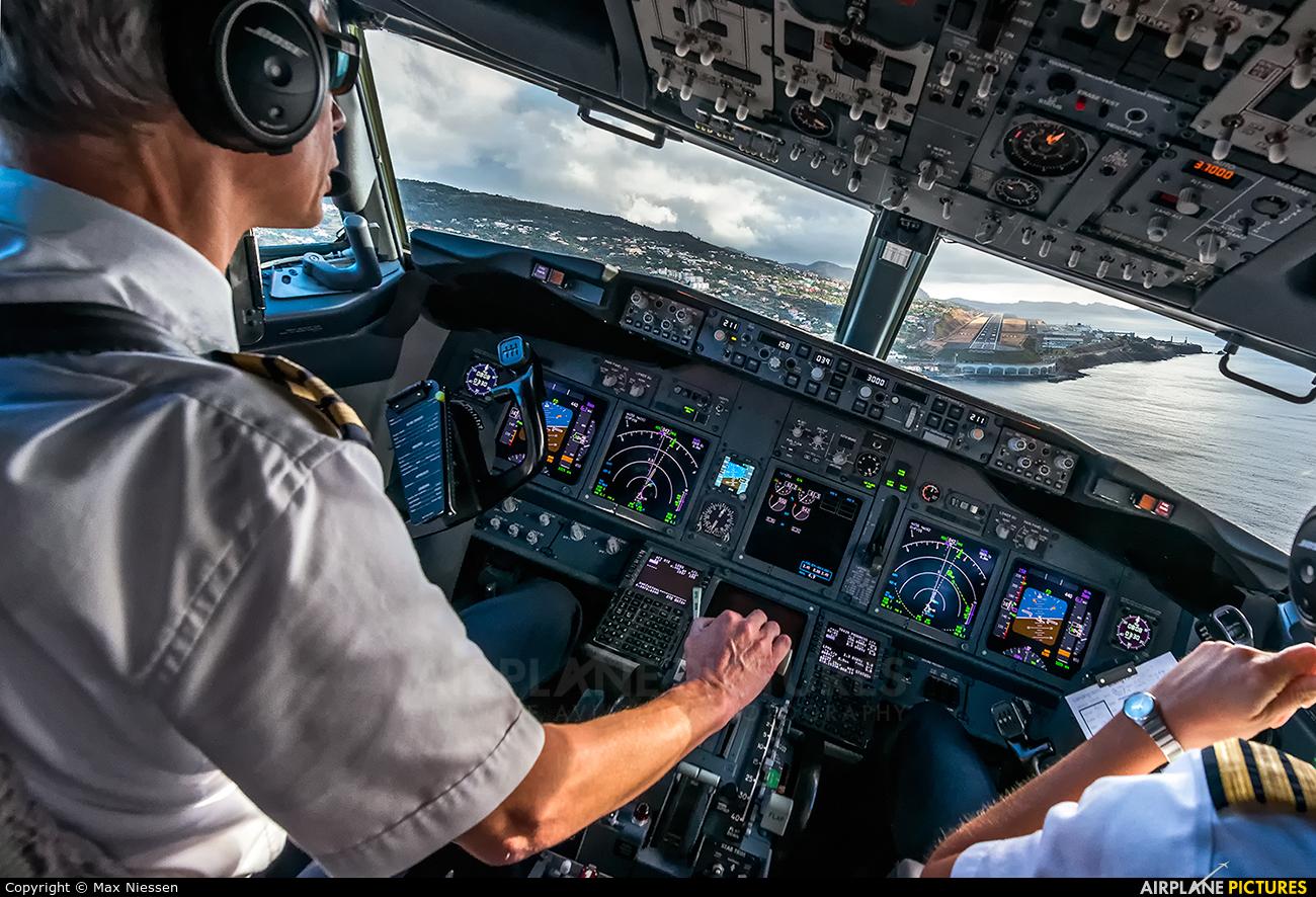 - aircraft at Madeira