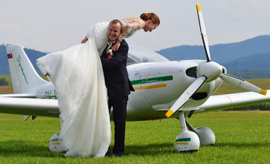 OM-RLC - - Aviation Glamour - Aviation Glamour - People, Pilot