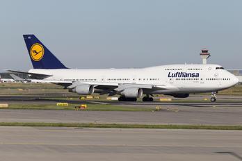 D-ABVR - Lufthansa Boeing 747-400