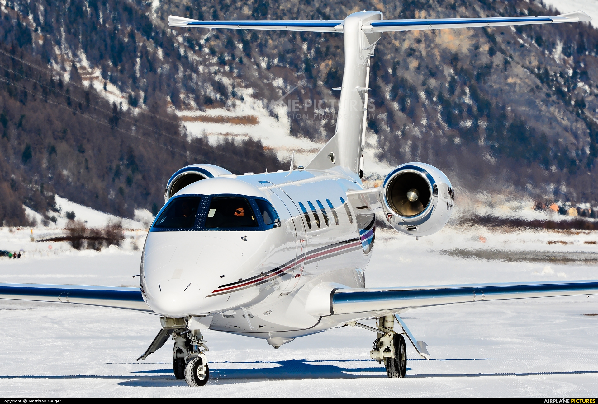 NetJets Europe (Portugal) CS-PHB aircraft at Samedan - Engadin