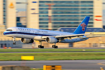 B-2859 - China Southern Airlines Boeing 757-200