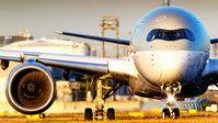#3 Qatar Airways Airbus A350-900 A7-ALH taken by Oliver Louis