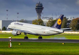 D-AIZL - Lufthansa Airbus A320