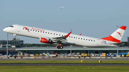 OE-LWL - Austrian Airlines/Arrows/Tyrolean Embraer ERJ-195 (190-200)
