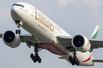 A6-ENM - Emirates Airlines Boeing 777-300ER