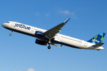 D-AVYJ - JetBlue Airways Airbus A321