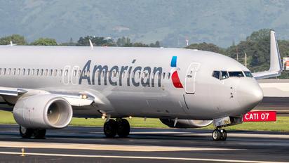 N931NN - American Airlines Boeing 737-800