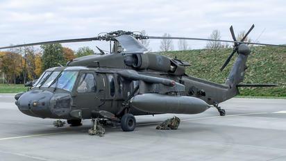 96-26687 - USA - Army Sikorsky UH-60L Black Hawk