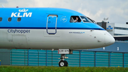 PH-EZR - KLM Cityhopper Embraer ERJ-190 (190-100)
